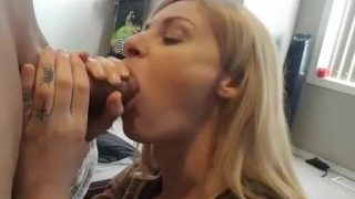 Amateur girl gives a thank you blowjob and swallow BF's cum