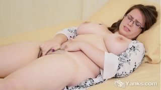 Chubby Babe Patience Morgan Masturbates Her Furry Pussy